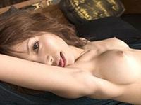 痴女の唇と挑発隠語!!紅音ほたるのションベン並みの放水!![無料動画]