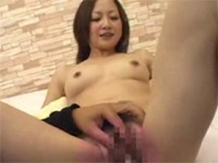 AV初出演美形素人を徹底凌辱!!おもらし失禁!!(無料AV動画)