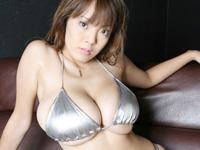 109cmLカップ!!Hitomi(田中瞳)  爆乳過ぎるお姉さん?