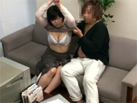 人妻と2人っきりでAV観賞 速攻びしょ濡れドスケベ主婦編[1]