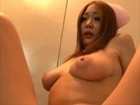 綺麗な巨乳女医と新人爆乳ナース 森永ひよこ 横山みれい[3]