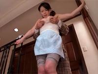 弄ばれた家政婦の乳 佐藤みき(佐藤美紀、鈴木志帆)[2]