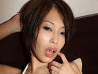 大塚咲はかなり経験豊富な20代半ばの女子校生。[1]